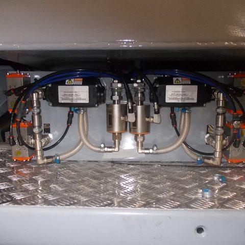Doseurs pour additifs liquides avec débitmètre