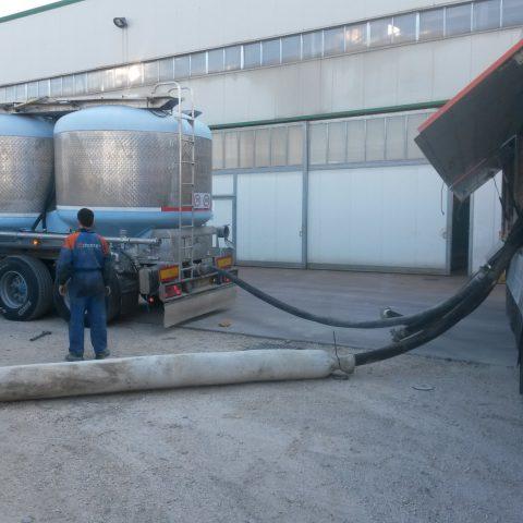 Sistema di ricarica pneumatico silos dei leganti
